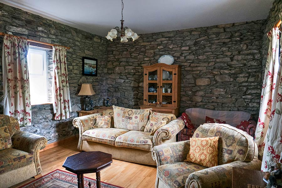 Teach Altra Living Room